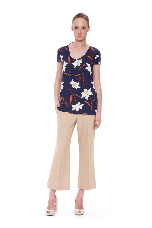 ONEGA Short-sleeved Blouse and BAIKAL Flare Trousers