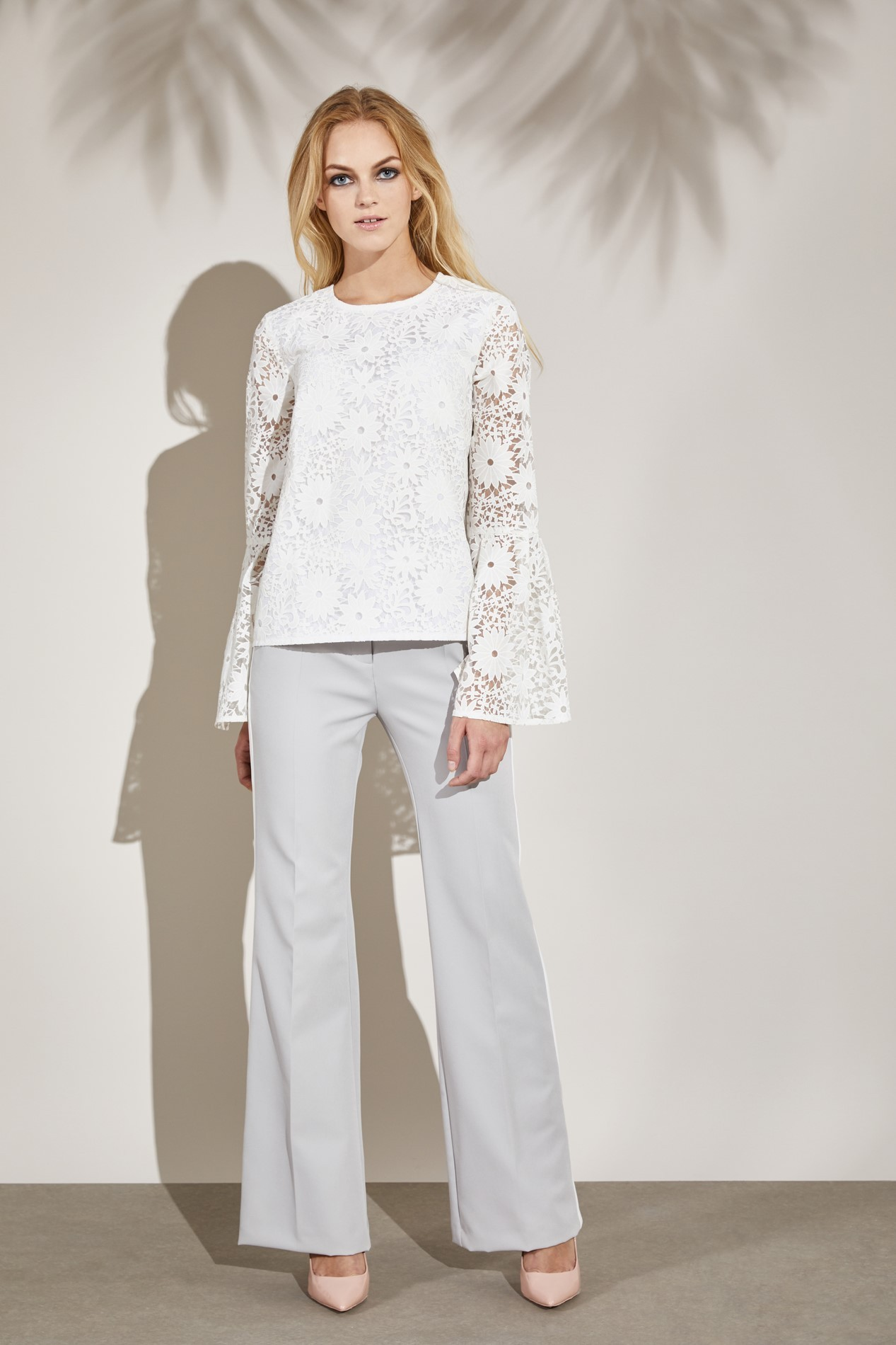 15ST34 MAIA Bell-sleeved Blouse